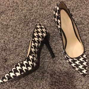Beautiful Nine West heels 5.5